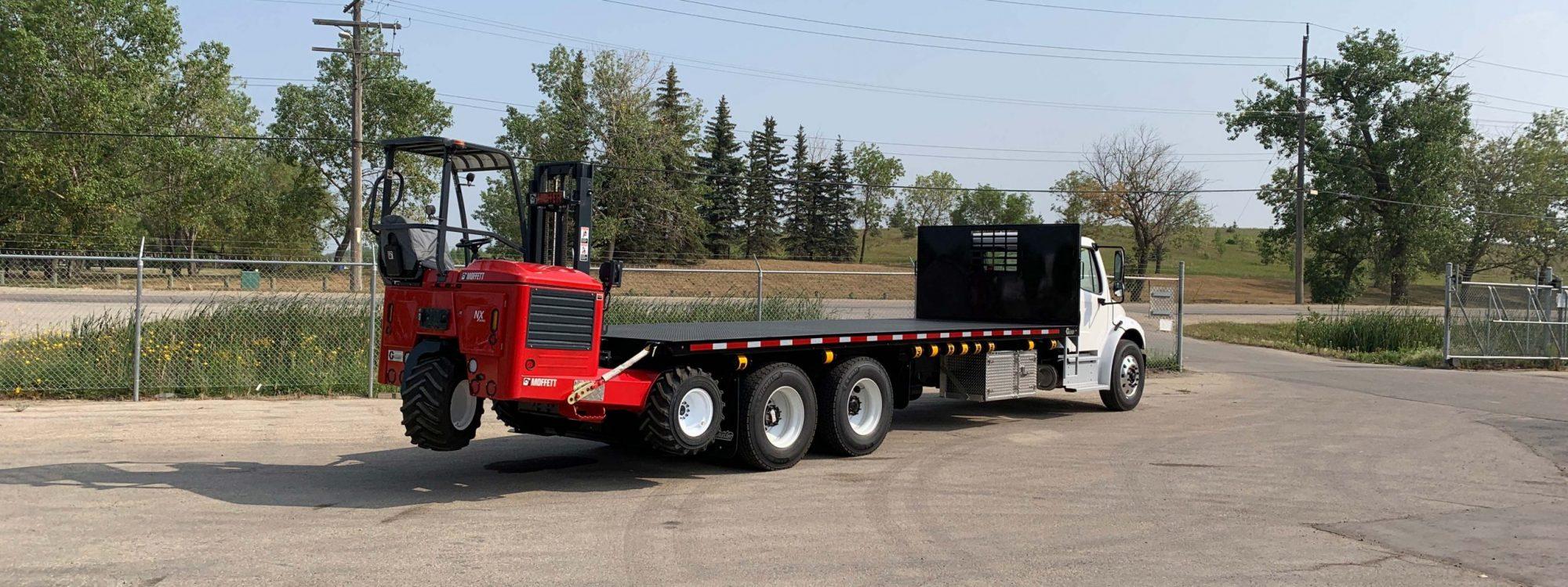 Deck-truck-with-moffett